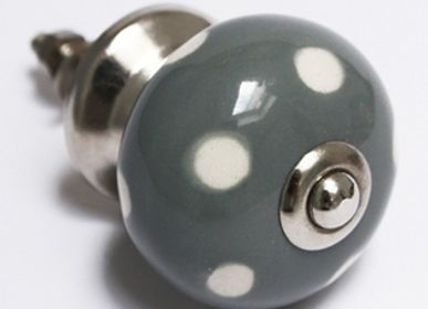 Decorative objects - collection of ceramic door knobs - ILLUMINATION