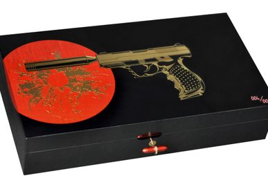 "Decorative objects - Humidor for 110 cigars - ""Secret Agent"" collection - ELIE BLEU"