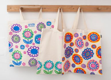Bags and totes - Grooms Blooms Tote Bags - TALENTED
