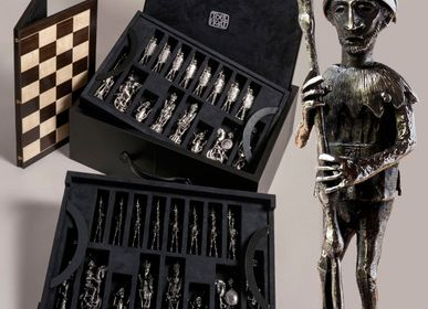 Sculptures, statuettes and miniatures - bronze chess set in luxury case with folding board - TOULHOAT