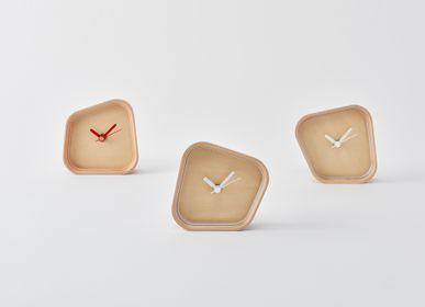 Clocks - rotation - PLYWOOD LABORATORY