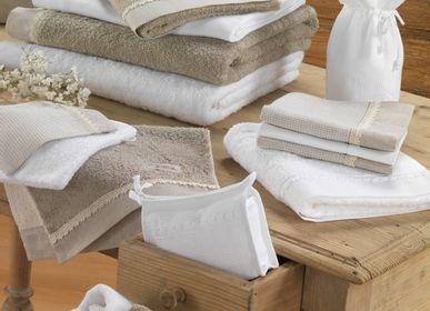 Serviette de bain - COSMETIC BAG DENTELLE DE LOUISE - LA MAISON DES ABEILLES