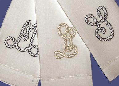 Bed linens - MONOGRAMMING - LINHO DO CASTELO - LIN DE CHATEAU
