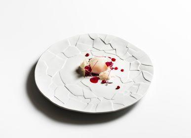 Formal plates - HANDMADE PURE WHITE PORCELAIN TABLEWARE    - PORDAMSA DESIGN FOR CHEFS