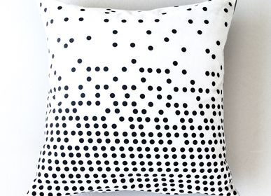 Children's bedrooms - Dots Cushion  - IHANNA HOME