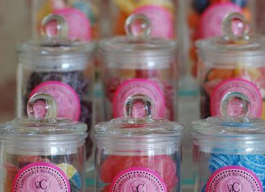 Confiserie - Bonbons à l'ancienne en bonbonnière en verre - Vdc Vie de Châteaux  - VIE DE CHÂTEAUX