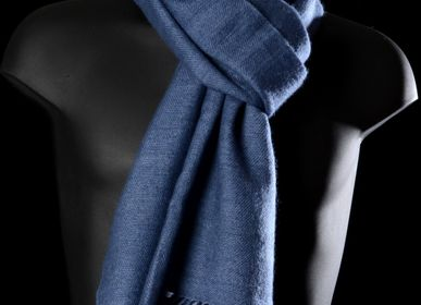 Scarves - Scarves, Shwals 100% Cashmere. All our garments have been designed in Barcelona, Spain. - Di Lucca 100% Cashmere