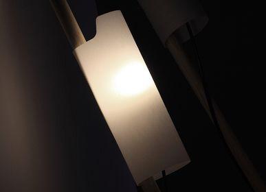 Moveable lighting - La Main Baladeuse (a wandering hand) - Édition Sous Étiquette -ÉSÉ