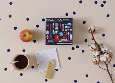 Jouets - Collection de Jeux IQ - HELVETIQ
