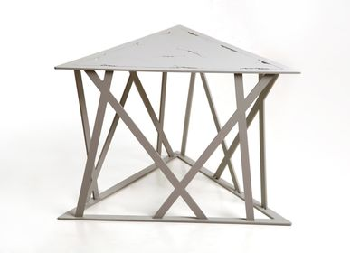 Coffee tables -  triangle  coffee table - METALSPIRIT