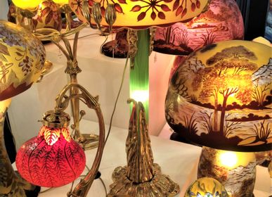 Verre d'art - Lampes style Gallé, verre gravé multicouches, Art Nouveau - TIEF