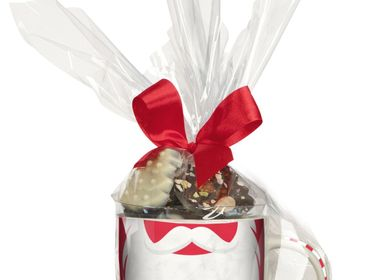 Chocolate - Christmas Mugs filled with chocolate sweets - MONBANA - OKAKAO
