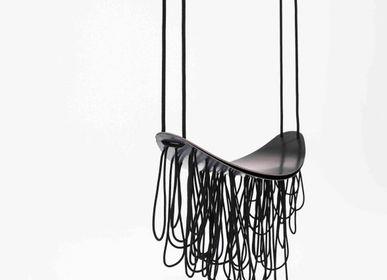 Chaises - Balançoire - Sculpture nOlita en noir  - STUDIO SOL LECCIA