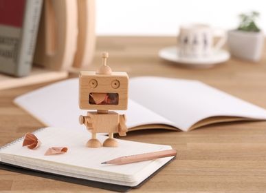 Gift design - Robot Pencil Sharpener - CARPENTER HANDMADE