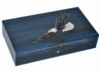 "Gift - ""Eagle"" humidor for 110 cigares. - ELIE BLEU"