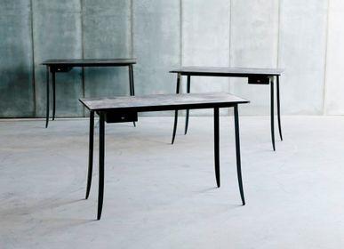 Desks - HIDE desk - HEERENHUIS MANUFACTUUR