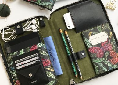 Travel accessories - Risha Organizer in Botanical - FONFIQUE