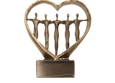 Sculpture - Caring for eachother - MARTINIQUE BV