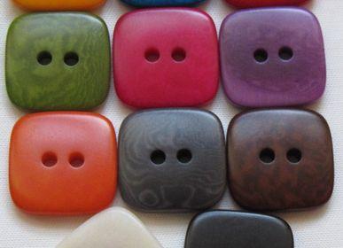 Jewelry - Corozo Buttons Vegetal Ivory or Taguanut - TIERRATAGUA & CREATIERRA