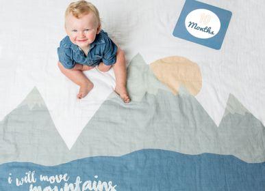 """Linge de lit enfant - Coffret """"Ma première année"""" Lange & cartes photos - LULUJO"""
