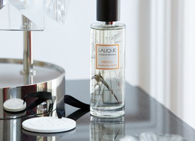 Home fragrances - ROOM SPRAYS - LALIQUE VOYAGE DE PARFUMEUR