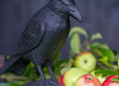 Decorative objects - Cast iron sculpture Raven - WILDLIFE GARDEN