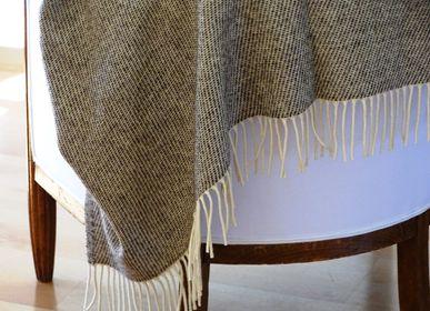 Throw blankets - HALF-SEASON PLAID - MIDIPY
