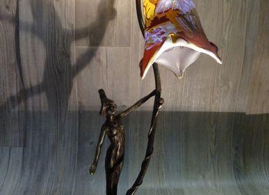 Lampes à poser - Lampes en verre gravé multicouches, style Gallé, Art Nouveau - TIEF