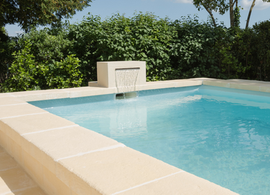 Outdoor pools - Stone look U-shaped coping - ROUVIERE COLLECTION