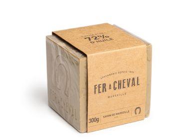 Savons - Fer à Cheval Savon de Marseille à l'huile d'olive 300g - SAVONNERIE FER A CHEVAL