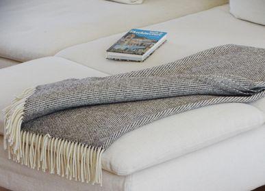 Throw blankets - PLAID with stitch - MIDIPY
