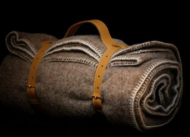 Decorative objects - PLAID IN NATURAL WOOL - MIDIPY