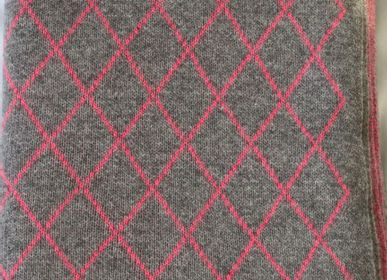Plaids - knitted diamond plaid - PATRIZIA D.