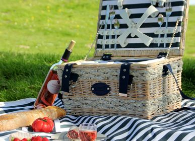 Outdoor decorative accessories - Collection of all equipped picnic baskets - LES JARDINS DE LA COMTESSE