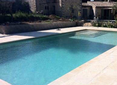 Outdoor pools - Stone look straight copings - ROUVIERE COLLECTION