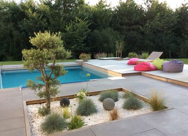 Pools - Contemporary straight surrounds - ROUVIERE COLLECTION