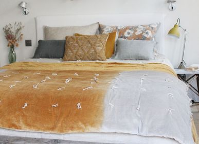 Throw blankets - SOFA COVER  in Cotton velvet Tie & Dye SHADOW - EN FIL D'INDIENNE...