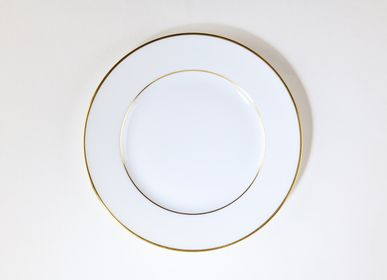 Formal plates - The matt gold ELEGANCE dinner plate  - ALAIN BABULE