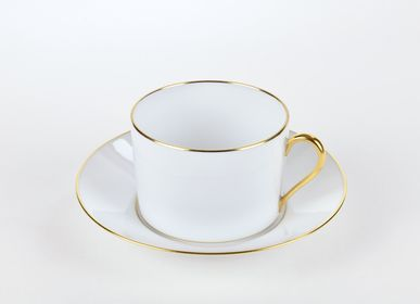 Mugs - The matt gold ELEGANCE tea cup - ALAIN BABULE