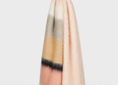 Throw blankets - Serenity Plaid - MANTAS EZCARAY