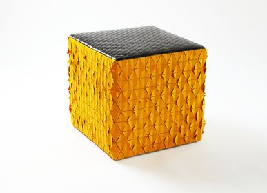 Tabourets - Tabouret orange Cube jaune - EVA.CAMPRIANI