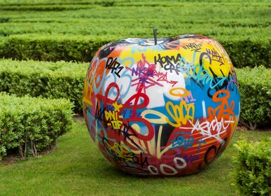 Design objects - graffiti apple sculpture - BULL & STEIN
