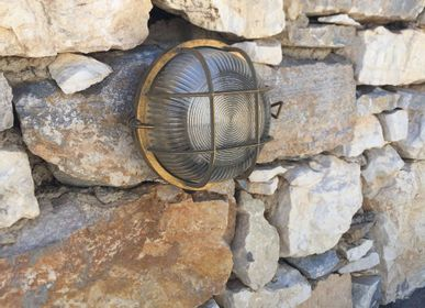 Appliques - Round bulkhead light no 14 with brass mesh - ANDROMEDA LIGHTING
