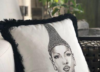 Cushions - Cushion FYV-Passconnection-18x18 - YAËL & VALÉRIE