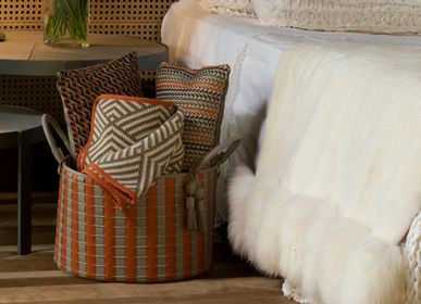 Unique pieces - Basket Paraty Woven Leather Degradê - ELISA ATHENIENSE HOME