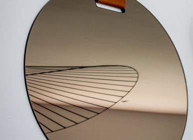 Design objects - OEILLET bronze mirror with Cognac leader - GLASSVARIATIONS