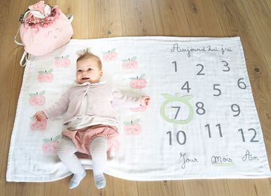 Cadeaux - Plaid et photobooth d'anniversaire mois par mois pour bébé - LITTLE CREVETTE