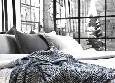 Throw blankets - Jamie Throw - CASUAL AVENUE