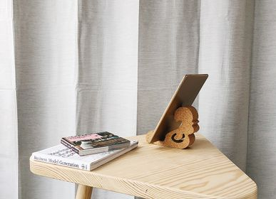Design objects - Kresto tablet holder - DEDAL