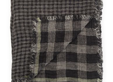 Throw blankets - Washed linen plaid - LE MONDE SAUVAGE BEATRICE LAVAL